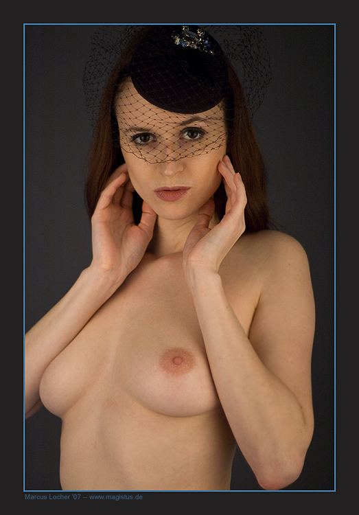 The Hat No. 2 - Akt - Anna Model - Foto von Marcus Locher