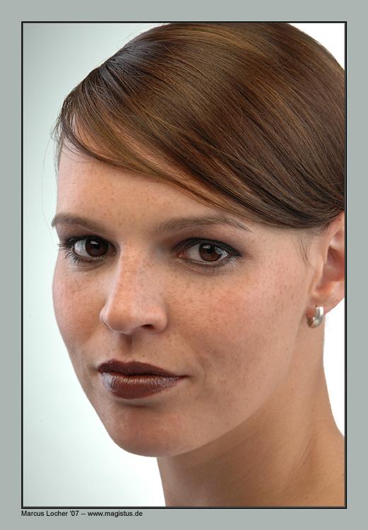 Freckles - Portrait - Foto von Marcus Locher