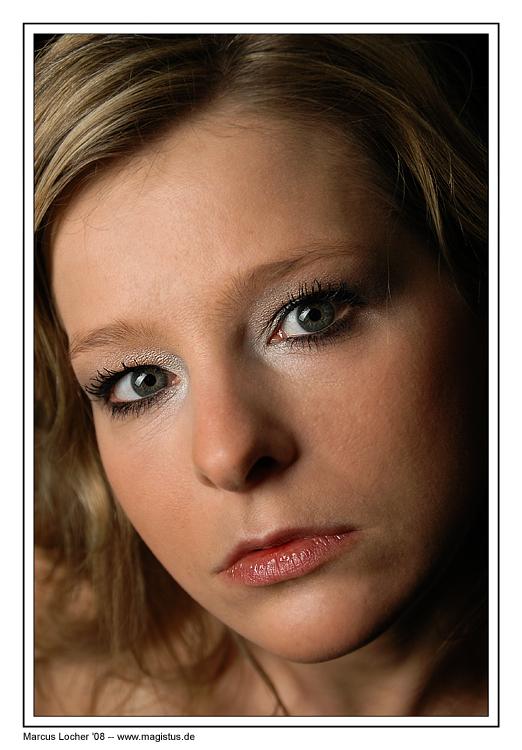 Anja Looking - Portrait - Foto von Marcus Locher