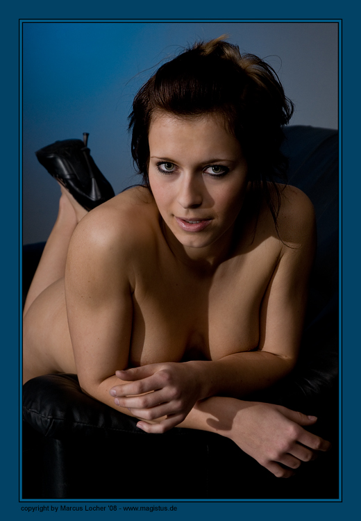 On the Couch - Akt / Nude Art - Voluta - by Marcus Locher - all rights reserved!!