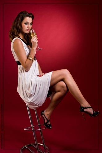 pse_mal9593_champaign-in-red_by-marcus-locher