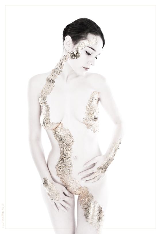 Golden Nude-Art -- by Magistus Fotografie