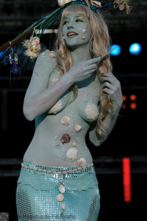 Painting: Phoenix Bodyart -- Model: Mieke