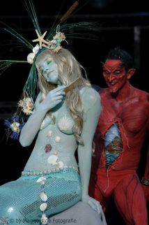 Painting: Phoenix Bodyart -- Models: Mieke & Jens