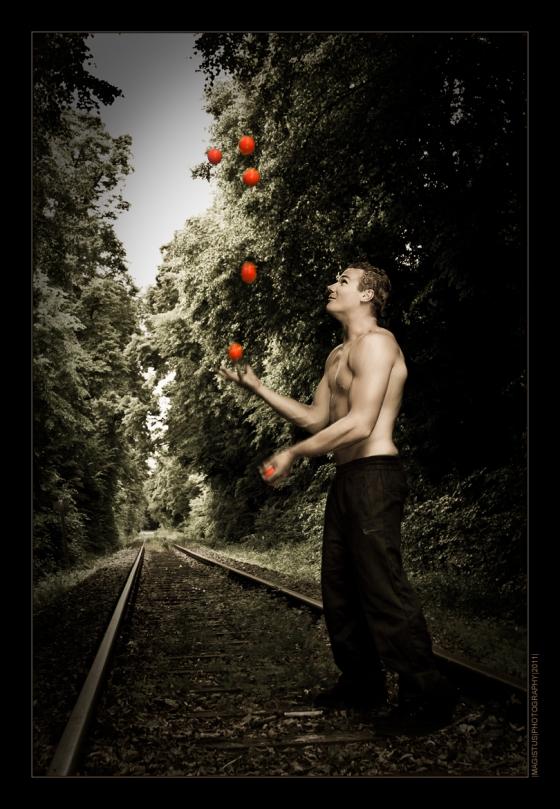 Jougling -- copyright by Magistus