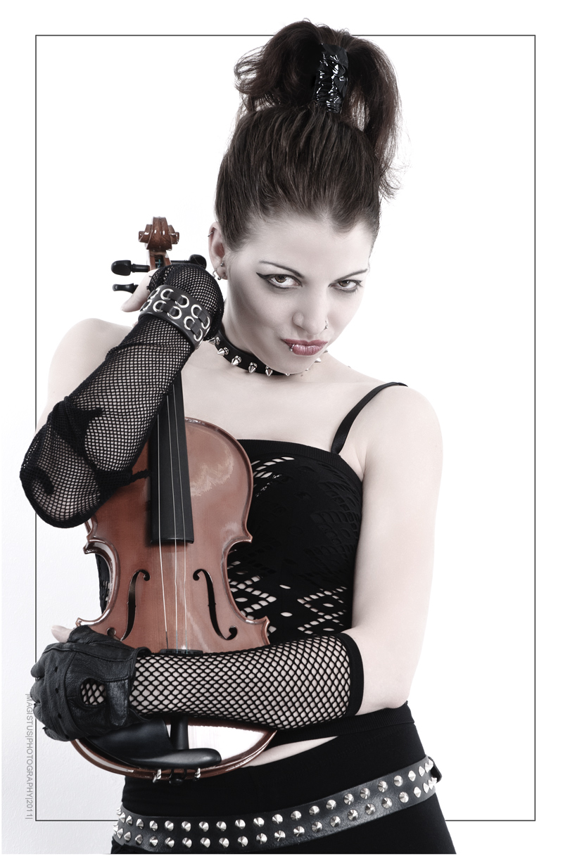 My Violine - Gothic Punk Shooting with cool Model holding a violine in her hands - Photo © by Magistus