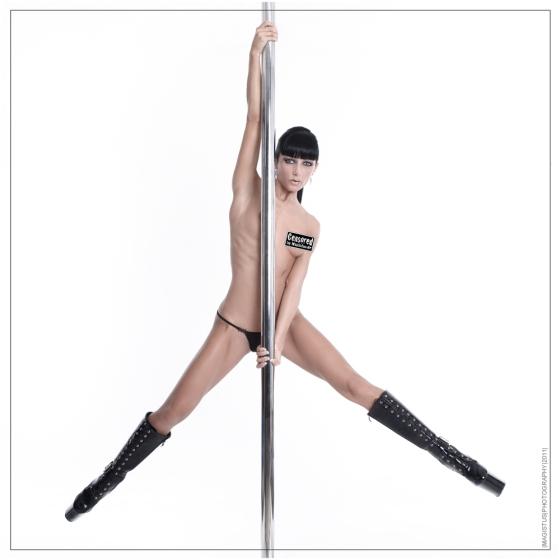 CENSORED Nude Poledance - © by Magistus