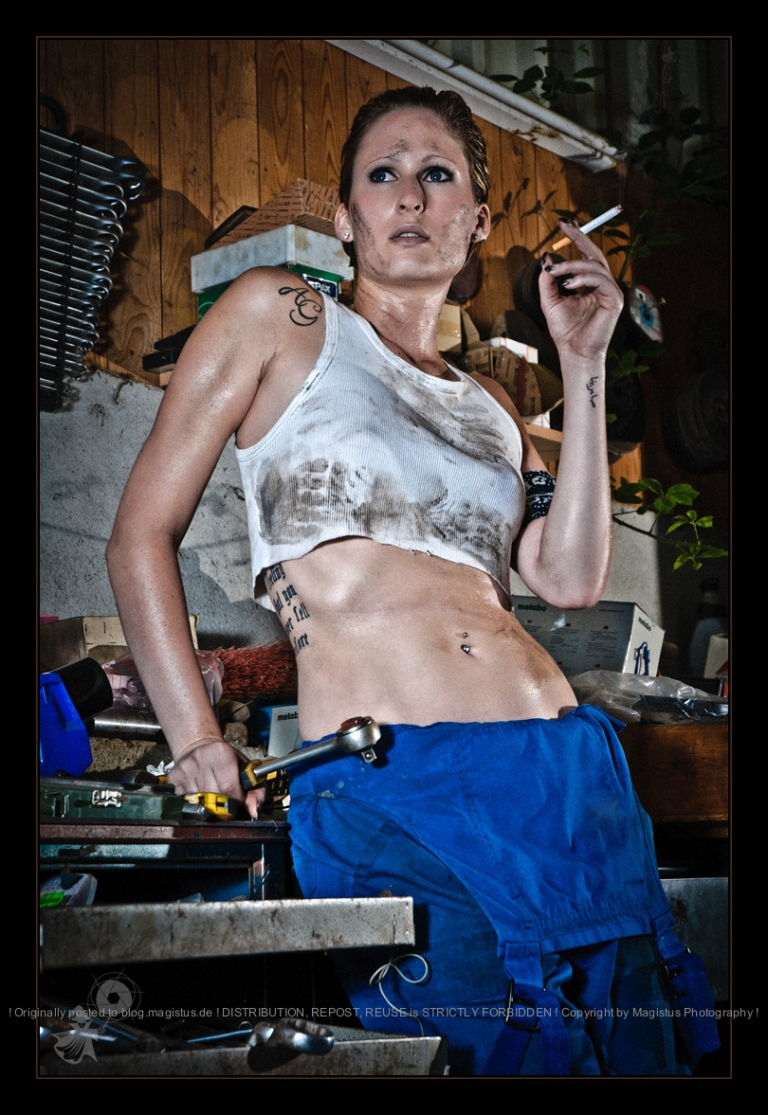 Sexy Mechanic - Hot OnLocation Dirtylook Photoshooting with beautiful model posing in a short and dirty tank top smoking and covered in oil and dirty. Really sexy and hot! - © by Magistus