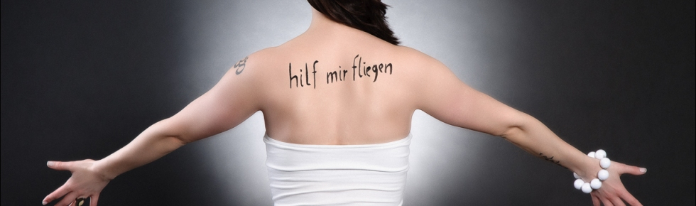 Hilf mir fliegen - Message Photoshooting - © by Magistus