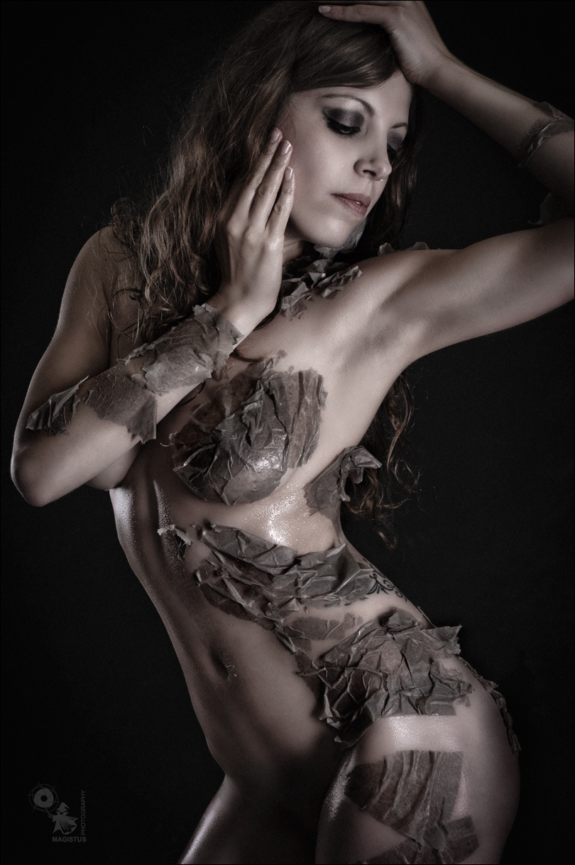 Dark Beauty - Low-Key Nude Art Shooting with SFX - © by Magistus