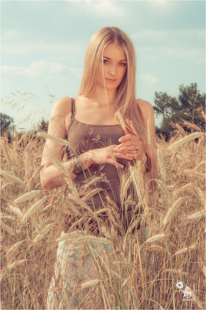 Summer Portrait - Beautiful Summer Portrait Photoshoot with fantastic blonde model in the cornfield - © by Magistus