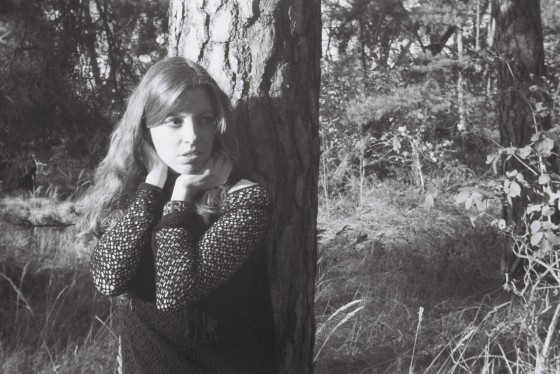 Portrait in Nature - Outdoor Analog Photoshoot in 35mm - © by Magistus (via http://analogsicht.tumblr.com)