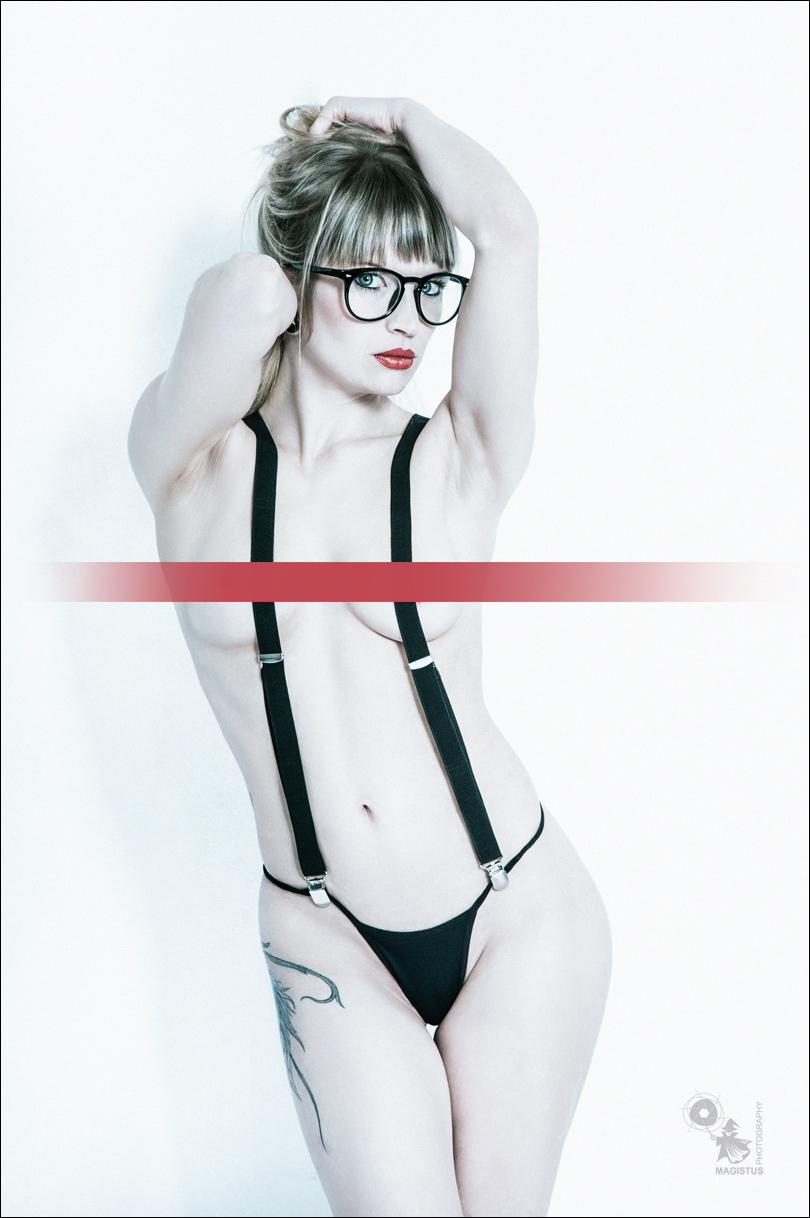 Naked Nerd - Sexy Nude Art Portrait - © by Magistus