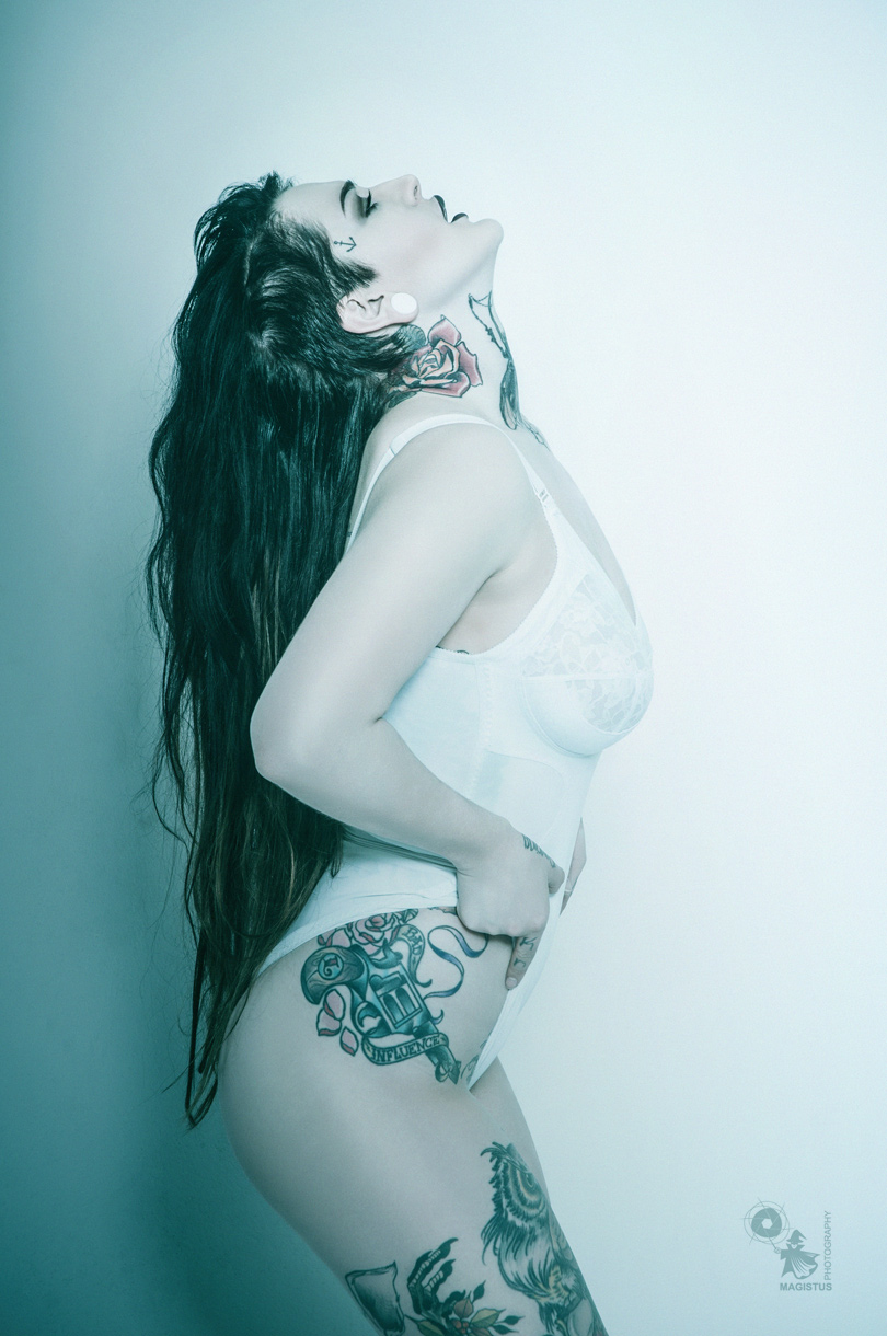 Lingerie Tattoo - Lingerie Photoshoot with fantastic Tattoo-Model - © by Magistus
