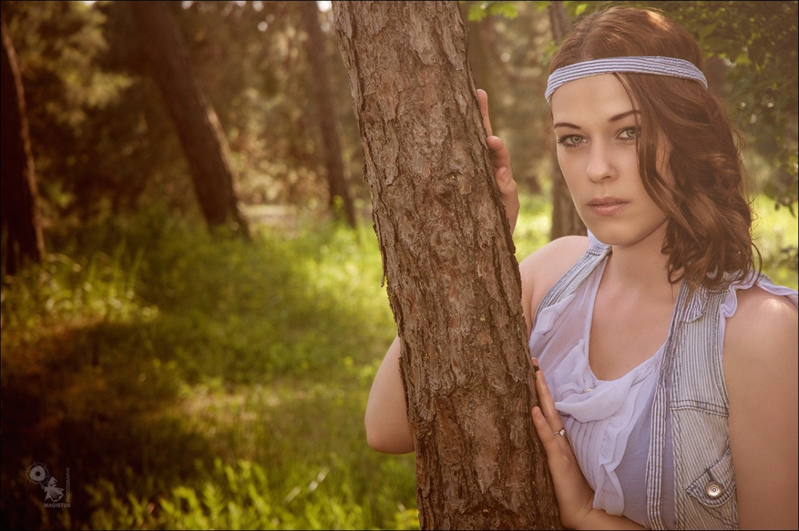 Beauty Girl - Beauty Portrait Photo in the Nature - © by Magistus