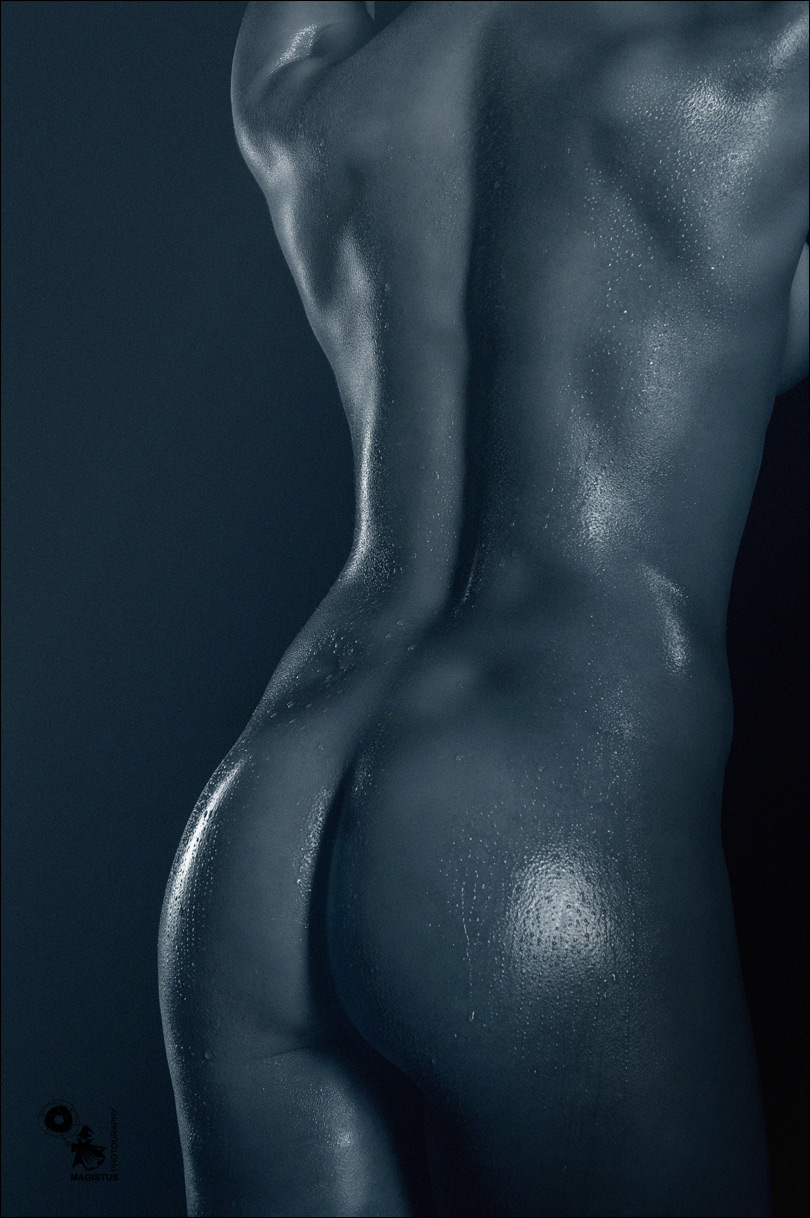 Athletic Body - Wetlook Lowkey Nude Art - © by Magistus