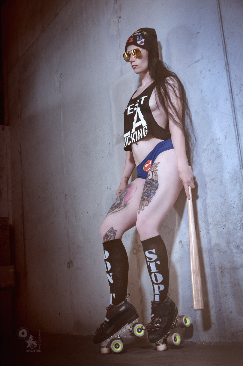 C'EST LA FUCKING - super sexy and hot roller skates fightergirl photoshoot - © by Magistus