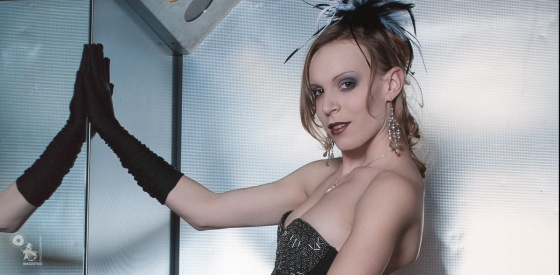 Elevator Bourlesque - Sexy Gogo Bourlesque Styling Photo in the Elevator - © by MagistusFoto