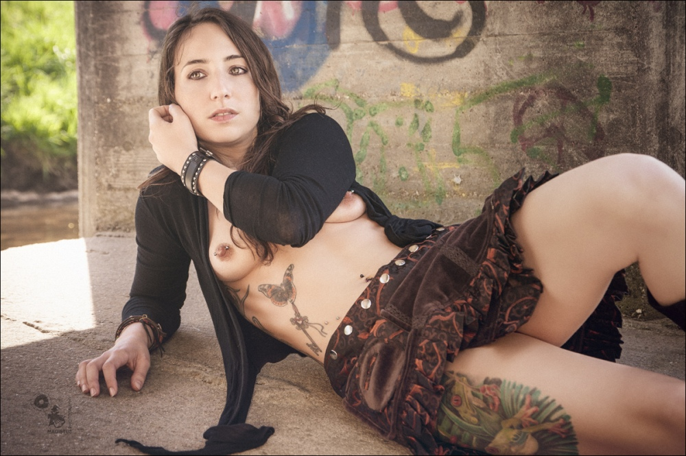 Natural Nude Hippie Girl - Sexy Girl posing half naked outdoor in front of graffiti - Copyright by Magistus