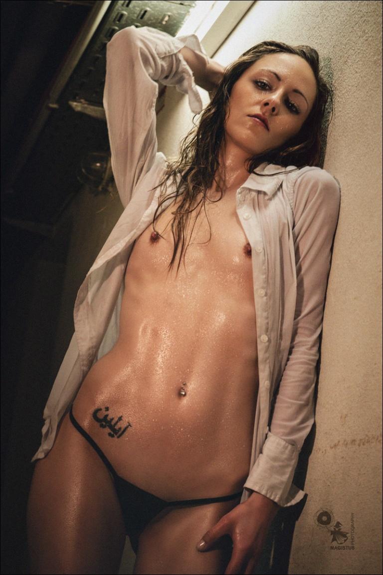 Wet N Raw - super sexy wetlook Erotic Photo - © by MagistusFoto