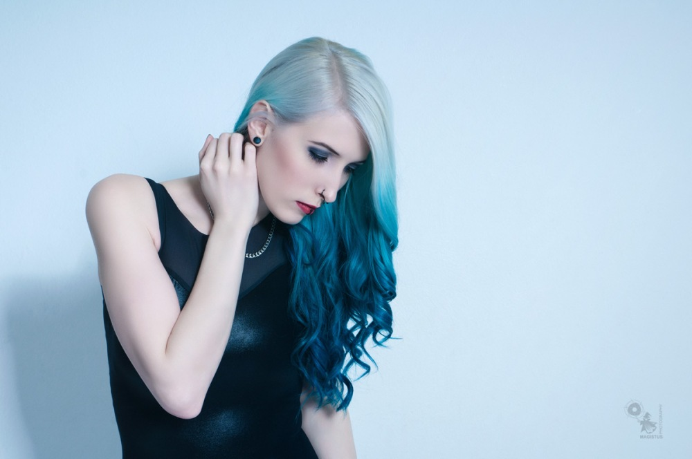 Cold Beauty - Wonderful Portrait Studio Photo with fantastic colored hair model - © by MagistusFoto