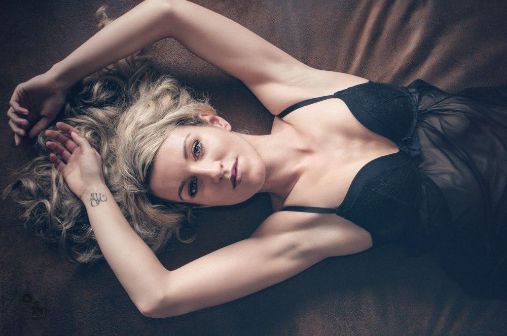 Black Lingerie - Beauty Lingerie Fashion Portrait - © by MagistusFoto