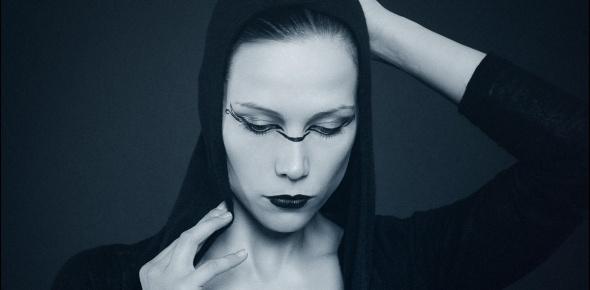 Gothic Portrait - Gothic Nude Art Photoshoot - © by MagistusFoto