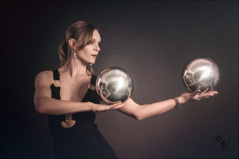 The Spheres - Acrobatic Beauty Portrait - © by MagistusFoto