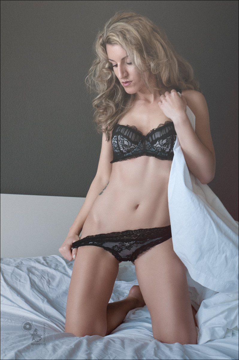 Blonde Lingerie - Lingerie Photoshoot on Location - © by MagistusFoto