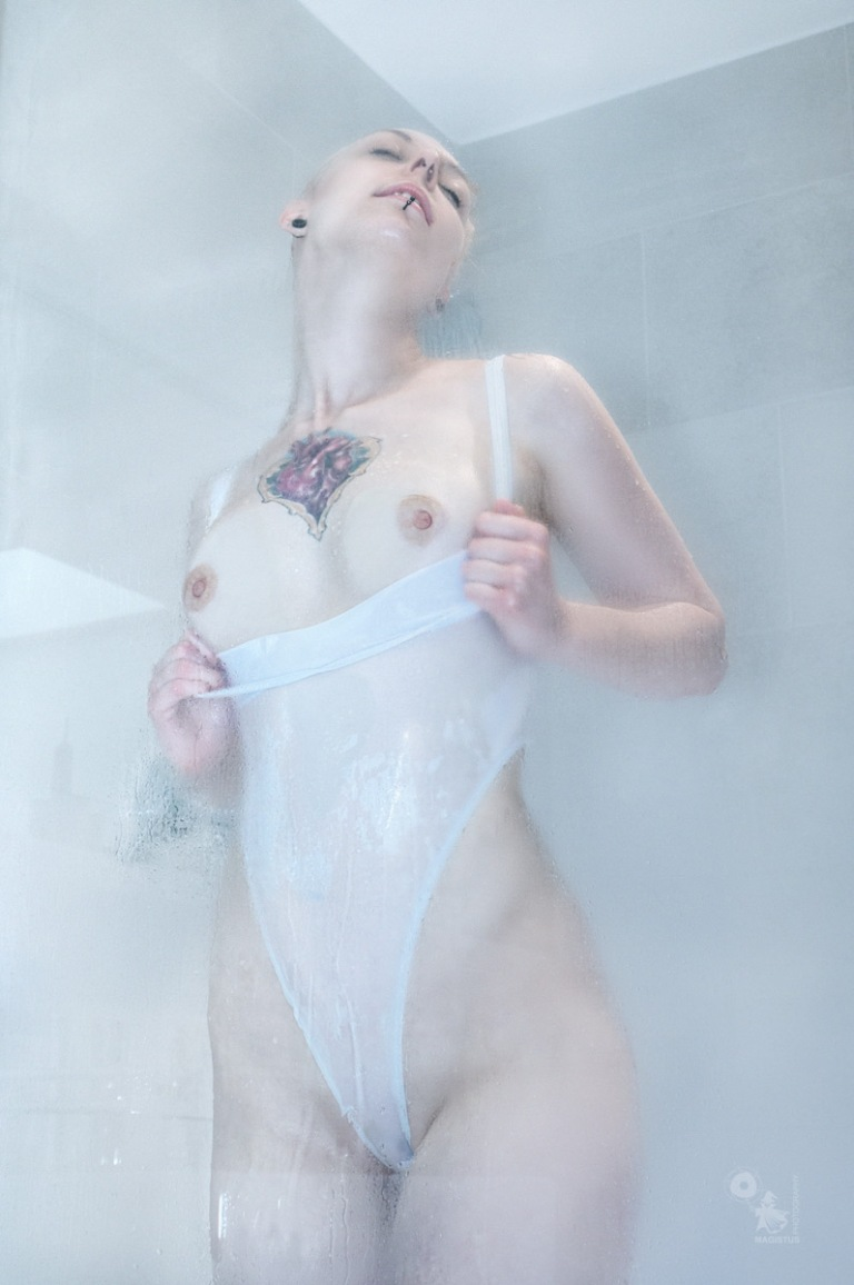 Hot Shower - Erotic Nude Art Shower Photo - © by MagistusFoto