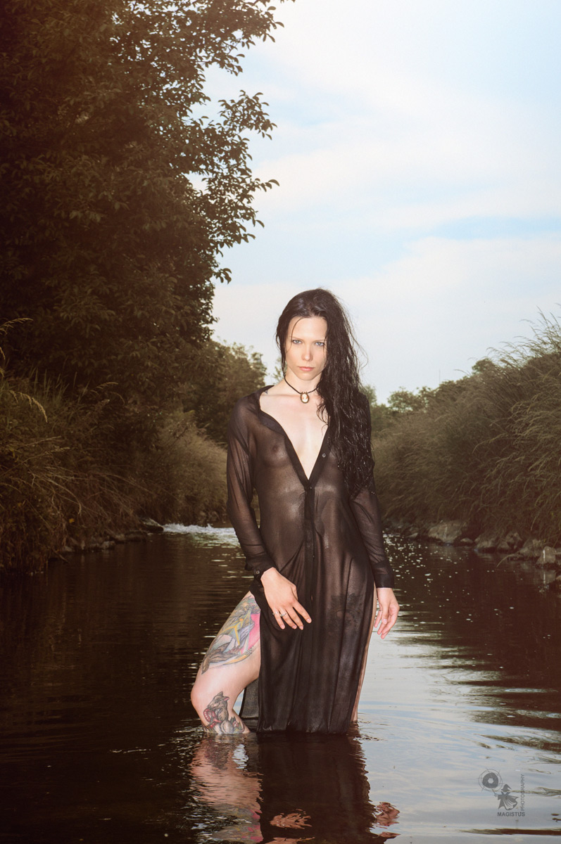 Wetlook Fashion - Nude Art Fashion in the Summer - © by Magistus