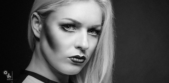 Intensive Close Up - Black & White Portrait Photoshoot - © by MagistusFoto