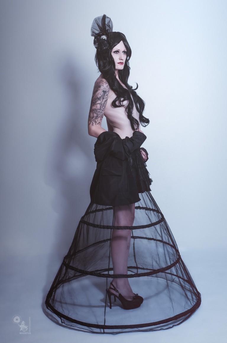 Elegance - Glamour Nude Art Fashion Photo - © by Magistus