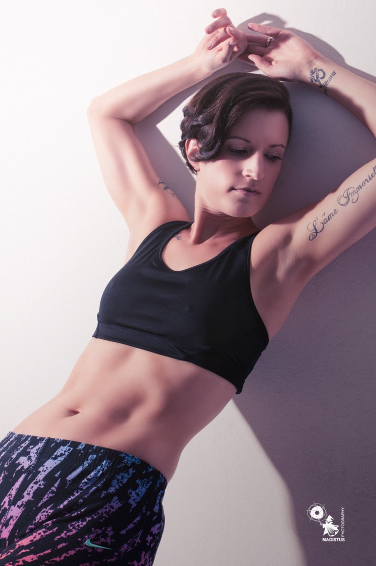 Sunny Sports - Sexy N Tight Fitness Beauty - Copyright by Magistus