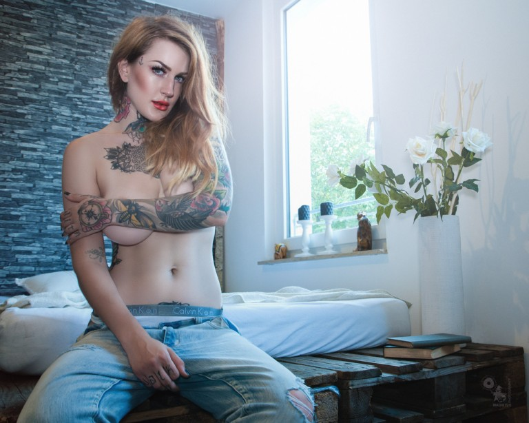 Laura - Super beautiful and sexy jeans topless portrait of Celina Blanchette - © by Magistus