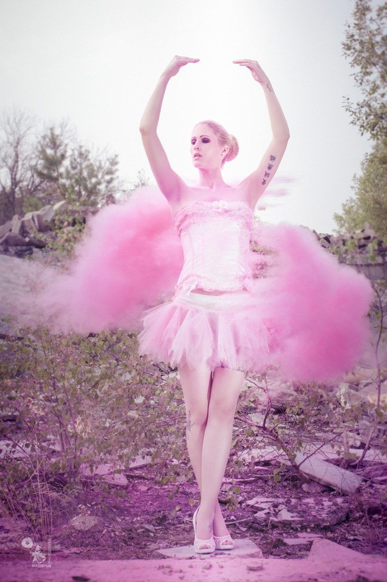 Pink Ballet - Pink Powder Photoshooting - © by Magistus