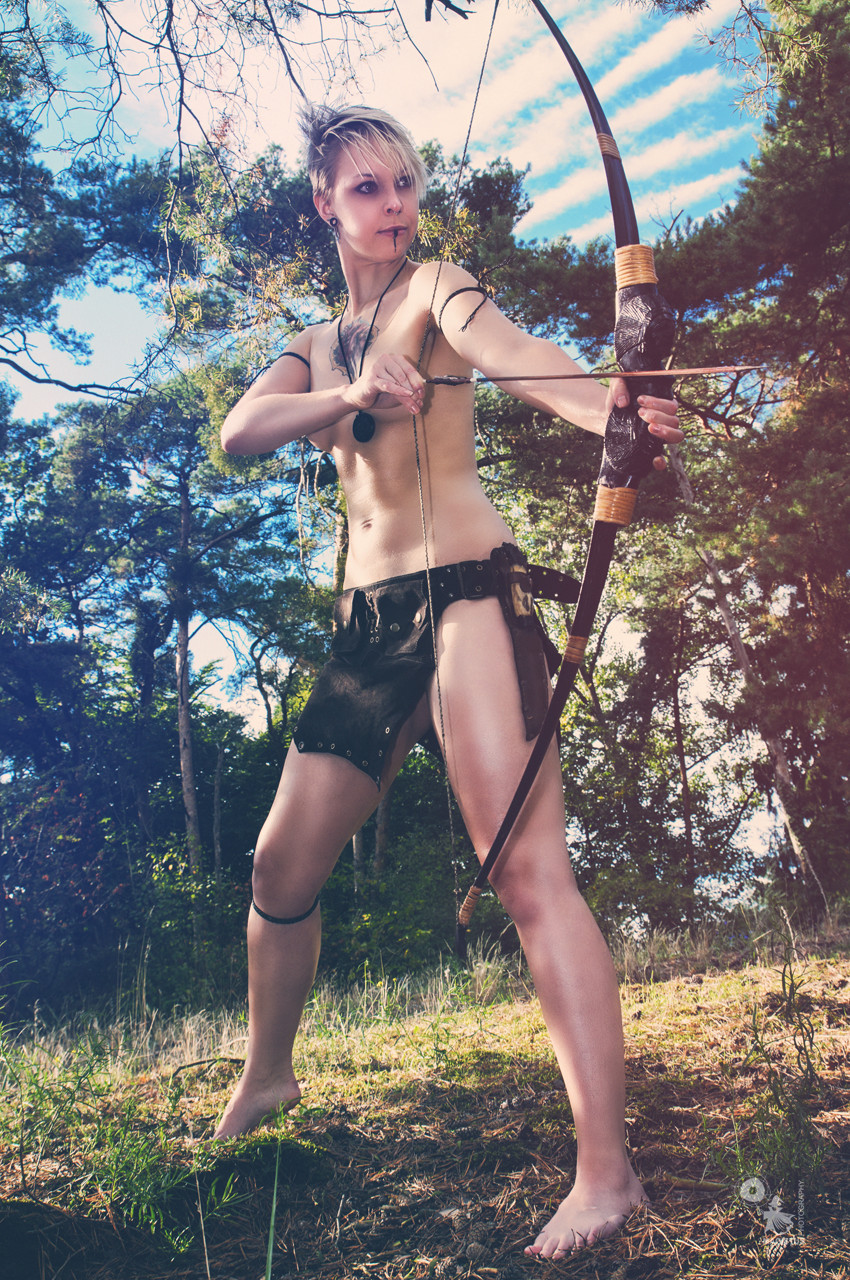 Amazon Archer - Super sexy and half naked amazon fighter girl with a bow in the sun - © by Magistus
