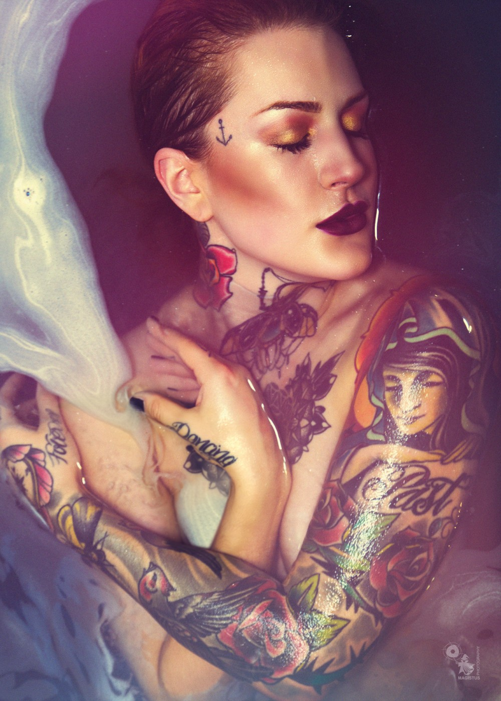 Color Bath - Beautiful and colorful bathing portrait of tattoo model Laura - © by Magistus