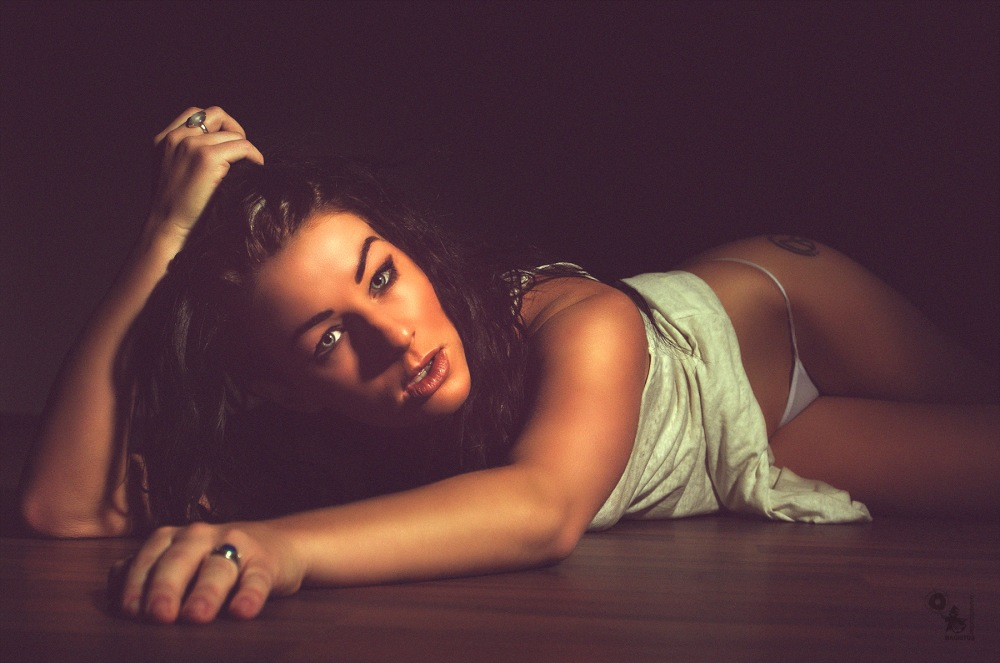 Natural Sexy Beauty - Super sexy girl is posing on the floor - © by Magistus