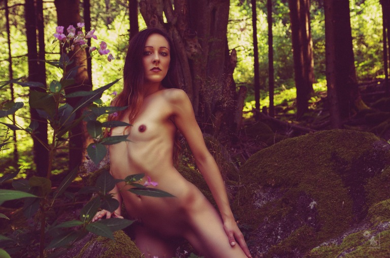 Beauty Nudes - super beautiful nude art photography with fantastic naked model posing in the nature - © by Magistus