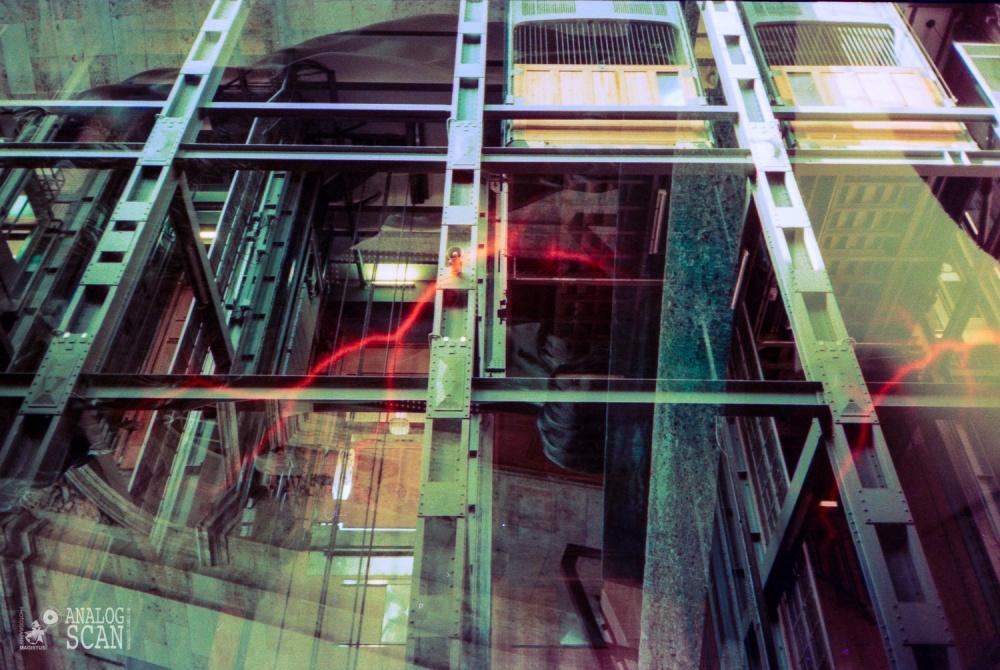 Hamburg- Alter Elbtunnel-- Doppelbelichtung Lomo Effect Film