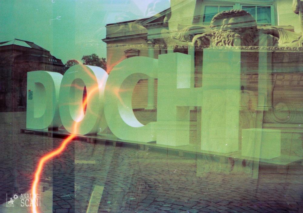 Darmstadt - Karolinenplatz - Staatsarchiv -- Doppelbelichtung Lomo Effect Film